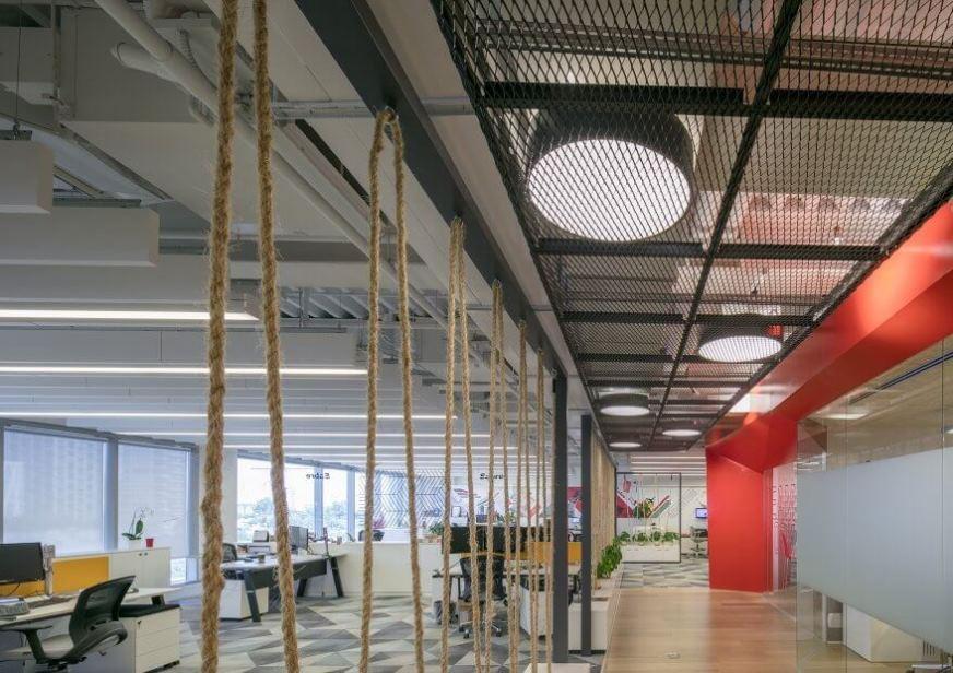 Hook On Corridor Expanded - מגשי רשת למסדרונות