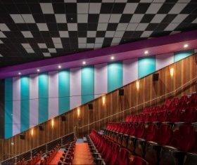 סינמה סיטי באר שבע, תכנון: מרש אדריכלים, חיפוי קיר התקנה גלויה