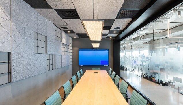 משרדי ירון לוי - תקרת Line EchoShape וחיפוי קיר  Rec EchoShape